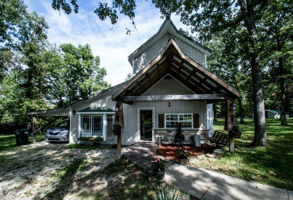 Real Estate Auction Marshfield, MO